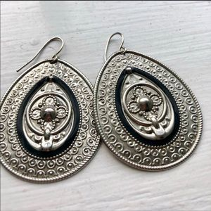 Jewelry - 🎀GORGEOUS WESTERN STYLE DANGLE EARRINGS 2 INCHES